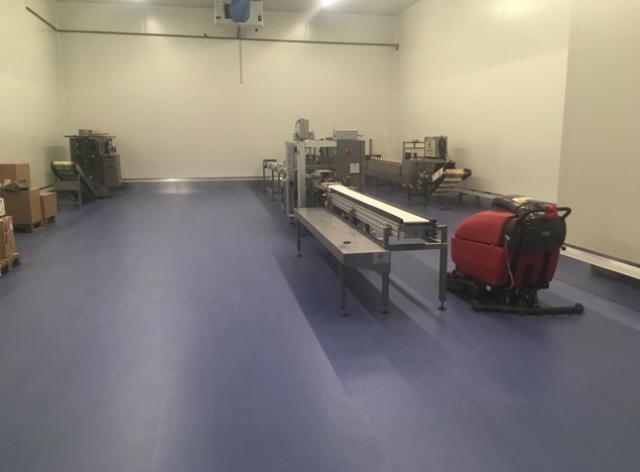 Nieuwe acrylaatvloer bij Groep A. De Witte vestiging De Swert - 3