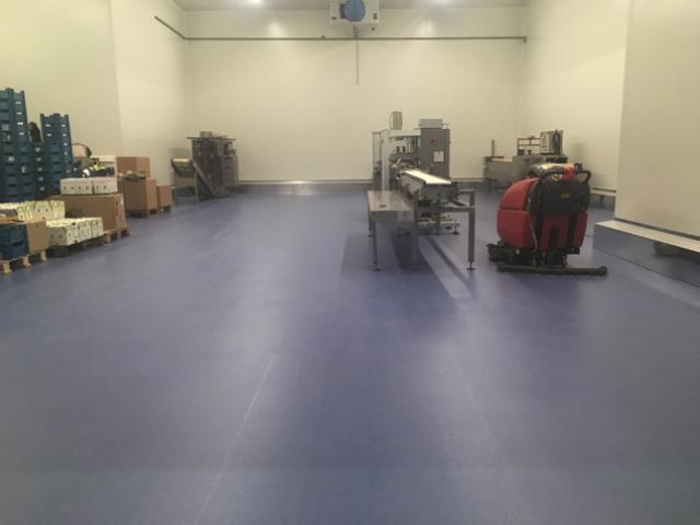 Nieuwe acrylaatvloer bij Groep A. De Witte vestiging De Swert - 4